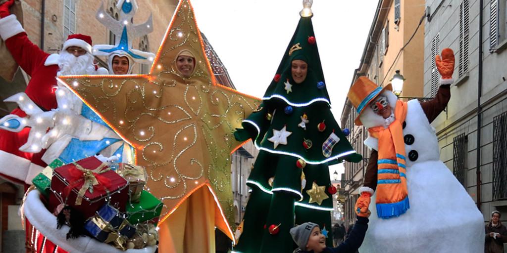 Artisti di Strada e Parata di Natale