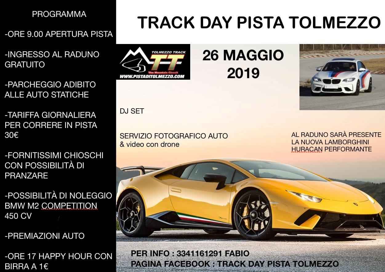 Raduno di auto sportive in pista - Track day