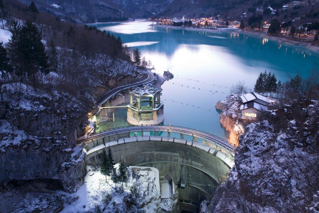 I paesaggi dell energia dighe e laghi del friuli venezia for Progettazione giardini friuli venezia giulia