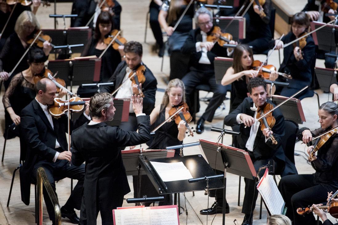 Philharmonia Orchestra Esa-Pekka Salonen direttore